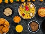 పండుగ కాలంలో మధుమేహాన్ని నిర్వహించడం:రక్తంలో చక్కెరస్థాయిలను నిర్వహించడానికి ఆరోగ్యకరమైన 10 చిట్కాలు