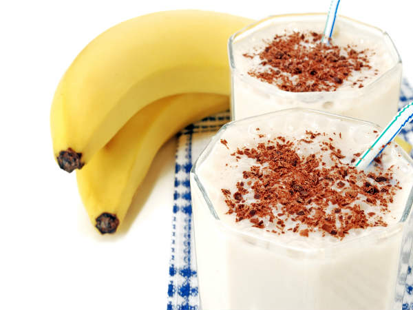How to Make a Chocolate Banana Milkshake