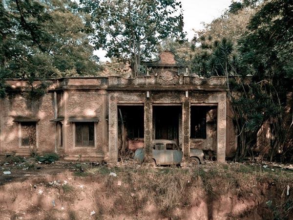భారతదేశంలో భయానికి గురిచేసే టాప్ 8 ప్రదేశాలు