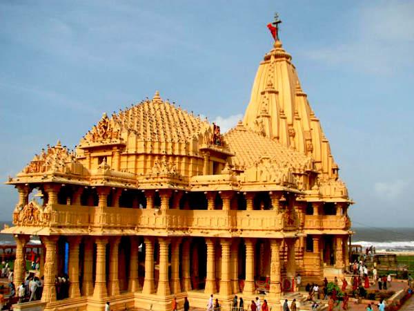 సోమనాథ్ ఆలయంలోకి హిందువులకు మాత్రమే ఎంట్రీ..!! ఎందుకు ?