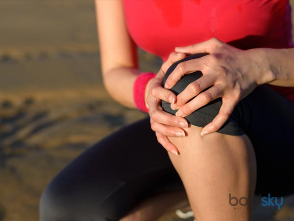 How to Cure Knee Pain Naturally? Here Are 8 Ways to Do So