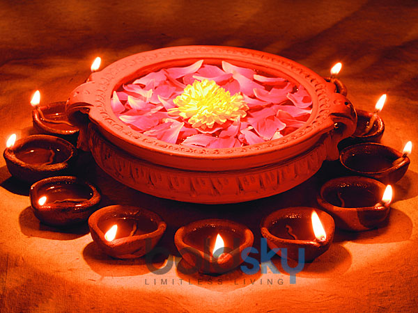 WHAT IS THE SIGNIFICANCE OF THE OIL-BATH DURING DEEPAVALI?