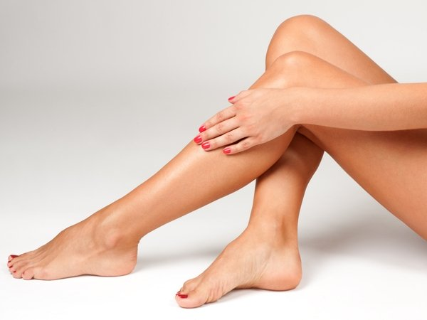 Natural Oils You Can Use To Get Shiny Legs