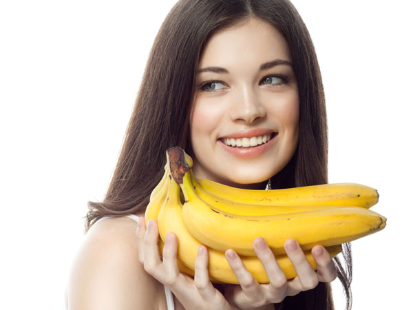 Super Easy DIY Banana Packs For Shiny And Strong Hair