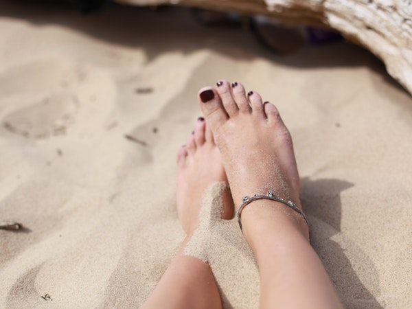 These Health Benefits Of Walking Barefoot Will Blow Your Mind!