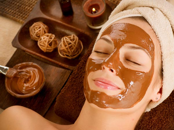 DIY Chocolate Honey Face Pack For Oily Skin