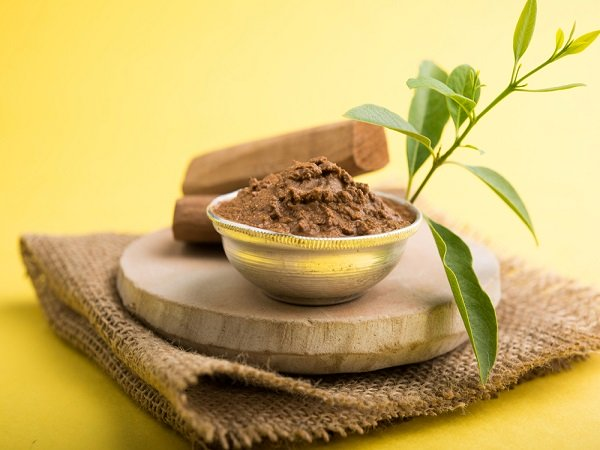 Sandalwood face packs to treat skin problems
