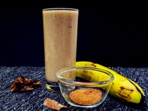 World Blood Donor Day 2018: Banana And Date Smoothie For Increasing Iron In The Body