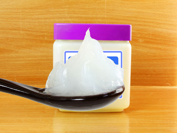 3 Reasons Why You Should Not Use Petroleum Jelly