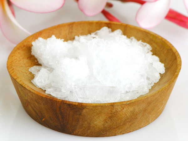 5 Ways To Use Camphor For Skin Care