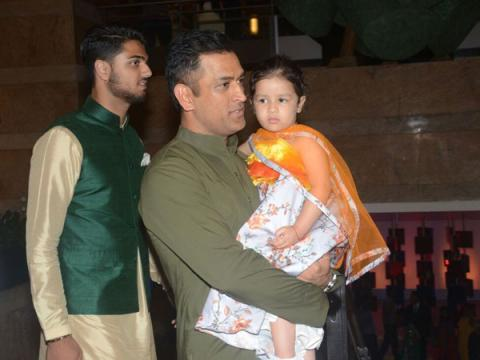 Crushing On MS Dhoni And Zaheer Khans Desi Looks? So Are We!