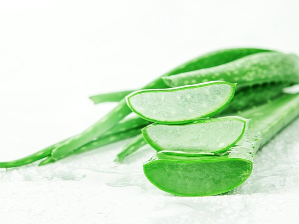 2 Amazing Aloe Vera Remedies To Treat Blemishes