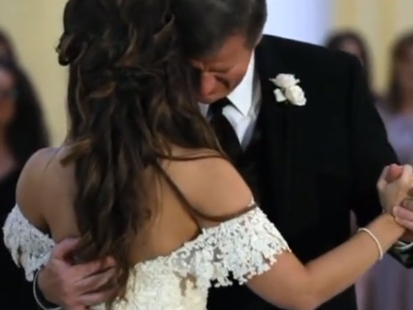 Bride Surprises Her Dad While Dancing And Plays A Recording Of Her Voice