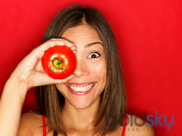 How To Use Tomato For De-tanning The Skin?