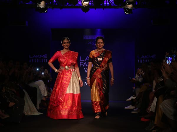 Hema Malini Esha Deol Showstoppers At LFW 2018
