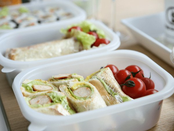 why-you-should-avoid-using-plastic-containers