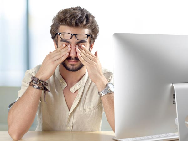 10 Everyday Habits That Are Damaging Your Eyesight