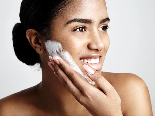 7 Reasons Why You Should Not Use Soap On Your Face