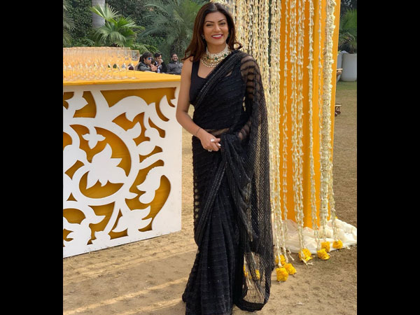 Sushmita Sens Black Sari Is Something That You Would Want To Wear For The Next Wedding
