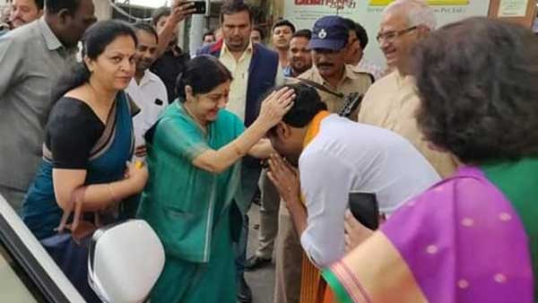 Sushma Swaraj : Iron Lady Journey