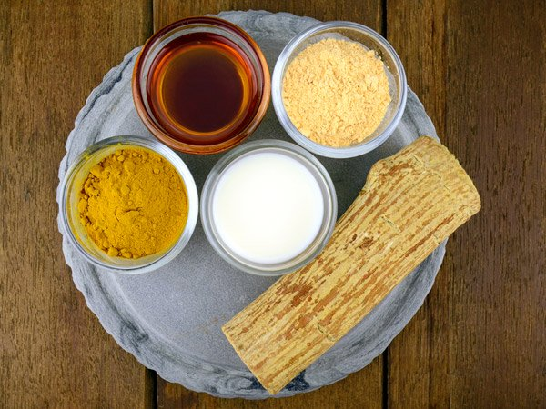Gram Flour, Turmeric and Curd Face Pack for a Problem-Free Skin