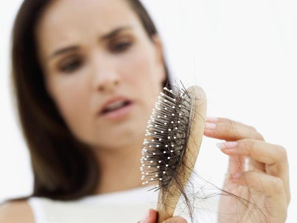 4. Make mistakes in the hair comb
