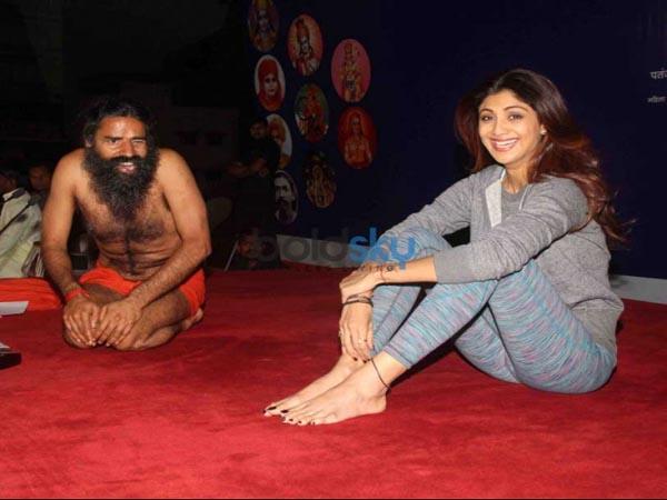 International Yoga Day 2021 : బాబా రాందేవ్ కన్నా ముందున్న ప్రముఖ యోగా గురువులు వీరే...