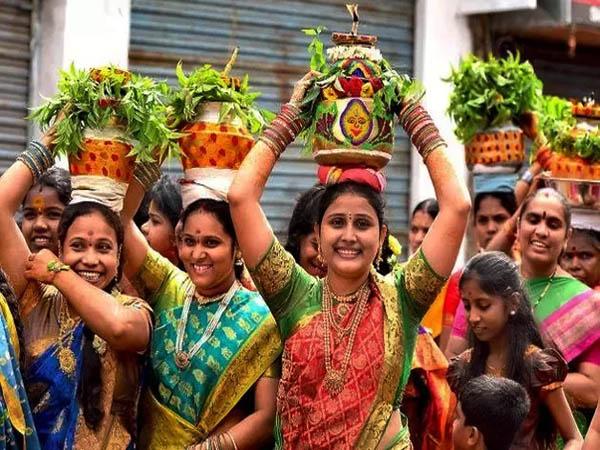 Bonalu Festival:తొలి బోనం గోల్కొండలో.. మరి రెండో బోనం ఎక్కడంటే...