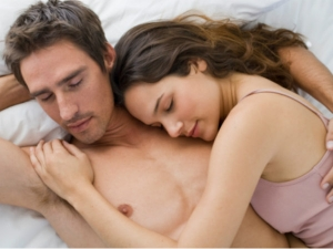 6 Female Behaviors That Make Your Man Love You Forever