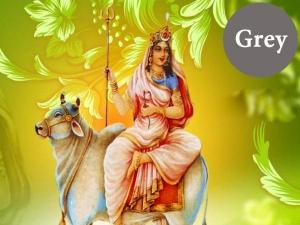 అమ్మవారి అనుగ్రహానికి ఏ రోజు ఏ కలర్ ధరించాలి ? : నవరాత్రి స్