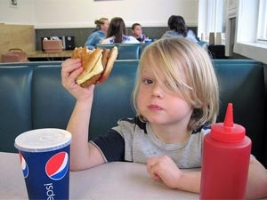 Tips Handle Your Child S Eating Problems 170811 Aid