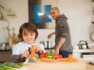 Simple Tips Dads Cooking Kids 260911 Aid