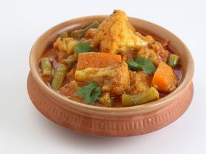 Mixed Vegetable Theeyal Onam