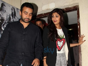 Gorgeous Shilpa Shetty At Pvr Pics 007459 Pg