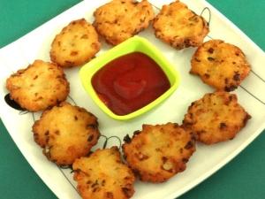 Crispy Sooji Vada Recipe