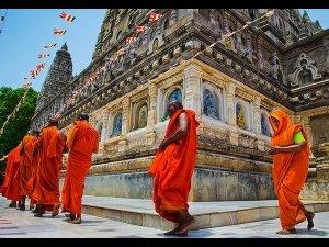 Significance Doing Pradakshinam Temples