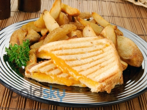 Easy Stuffed Vegetable Cheese Bread Recipe