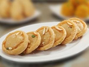 Badusha The Best Sweet Festivals Telugu Vantalu