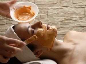 How Apply Sandalwood Powder On Face Beauty Tips Telugu