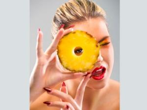 Top 12 Amazing Pineapple Benefits Skin