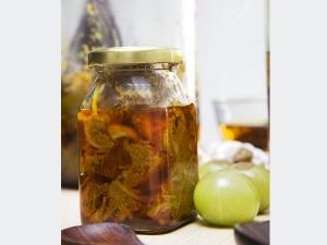 Amazing Health Benefits Amla Soaked Honey