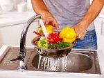 How Clean Vegetables Fruits Naturally