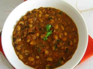 Spicy Alasandala Masala Curry