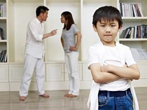 Bad Habits Parents That Affect Their Children