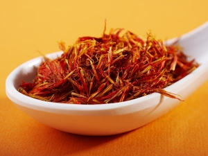 Best Benefits Saffron Oil Skin Hair Health