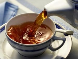 Amazing Hair Care Benefits Using Black Tea