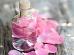 Why You Should Stick Using Rose Water Your Skin