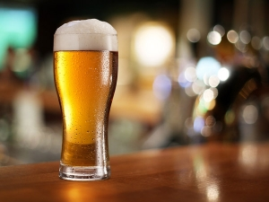 How Beer Benefits Your Skin Hair