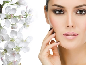 Natural Ingredients Keep Your Skin Hydrated During The Sum