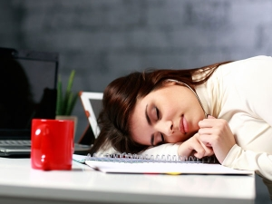 Amazing Ways Beat The Mid Afternoon Drowsiness Without Caffeine